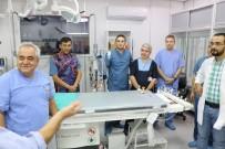 FAKÜLTE - Meslektaşları Damar Tıkanıklığını Açmanın İnceliklerini Prof. Dr. Özgül'den Öğreniyor