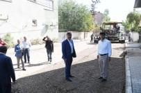 MUHARREM YıLDıZ - Muş Belediyesi'nden Yeşilyurt Mahallesi'nde Asfalt Çalışması