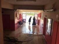Silvan'da Müdür Ve Öğretmenler Okulu Temizledi