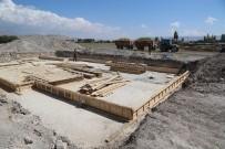 SINDELHÖYÜK - Sindelhöyük Mahallesi Spor Tesisi'nin Yapımına Başlandı