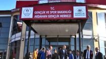 Tolunay Kafkas Ardahan'da Gençlerle Bir Araya Geldi