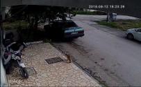6 Dakikada Motosikleti Çalan 2 Hırsız Kaza Yapınca Yakalandı