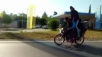 Antalya'da Motosiklette 5 Kişilik Tehlikeli Yolculuk