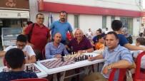 SATRANÇ FEDERASYONU - Dörtyol'da 'Sokakta Satranç Var' Etkinliği