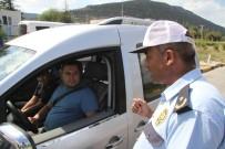 Emniyet Kemeri Takmayan 266 Sürücüye 28 Bin 620 Lira Ceza Yazıldı