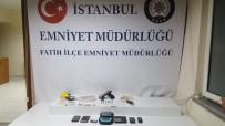 KOCAMUSTAFAPAŞA - Fatih'te Türkmenistan Uyruklu Uyuşturucu Tacirleri Kıskıvrak Yakalandı