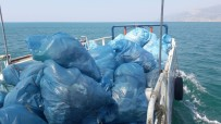 Hatay'da Sahillerden 645 Ton Atık Toplandı