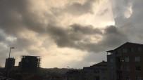 İLGİNÇ GÖRÜNTÜ - İstanbul'da Beklenen Yağış Etkisini Göstermeye Başladı