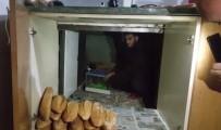 Mutfak Dolabından Tombala Makinesi Çıktı