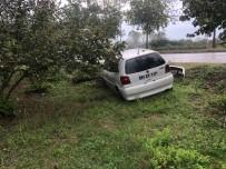 Otomobil Yoldan Çıktı 1 Kişi Yaralandı