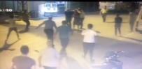 SERVİS ŞOFÖRÜ - Servis Şoförlerinin Kavgası Kanlı Bitti Açıklaması 1 Ölü, 2 Yaralı
