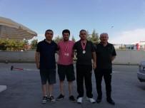 MASA TENİSİ - Turnuvadan Madalyalar İle Döndüler