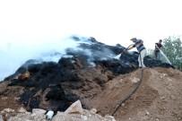 ANIZ YANGINI - Yozgat'ta Anız Yangını 8 Bin Saman Balyasını Kül Etti