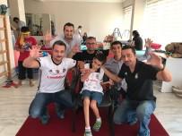 SOSYAL SORUMLULUK - Beşiktaşlı Özel Çocuğun Forma Sevinci