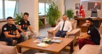 Elektrikli Otomobil Projesi Öğrencilerinden Rektör Acer'e Ziyaret