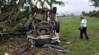 EDEBIYAT - Eşiyle Tartışırken Kaza Yaptı Açıklaması 5 Yaralı
