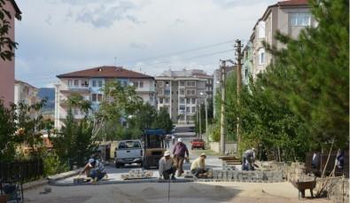 Gediz Belediyesinden Beton Parke Ve Bordür Çalışması