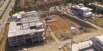 YUNUSEMRE - Güzelyurt Pazar Yerinde Çalışmalar Sürüyor