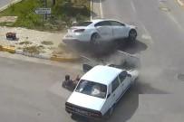 İki Araç Çarpıştı, Sürücü Dışarı Fırladı
