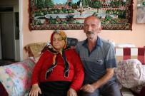 GÖRME ENGELLİ - Kağıt Toplayarak Görme Engelli Eşine Bakan Yaşlı Adama Devlet Yardım Elini Uzattı