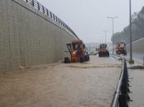 MAHSUR KALDI - Kastamonu'da Sağanak Yağış Ve Dolu Etkili Oldu
