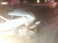 KıRıKKALE ÜNIVERSITESI - Kırıkkale'de İki Ayrı Trafik Kazasında 11 Kişi Yaralandı