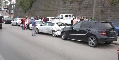 Lüks Cip Kaza Yaptı; 9 Araç Maddi Hasar Gördü