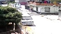 ULUBATLı HASAN - Mahalleliden Kaçan Şüpheliyi Polis Yakaladı