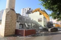 Mezitli Saray Camisi Yenileniyor