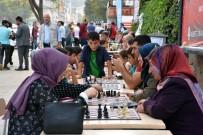 SATRANÇ FEDERASYONU - 'Sokakta Satranç Var' Projesi Muş'ta Start Aldı