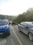 MEVSİMLİK İŞÇİ - Traktör Römorku Devrildi 5 Yaralı