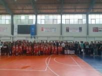 HALK EĞITIMI MERKEZI - Yaz Spor Okulları Eğitimlerini Tamamladı