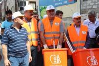 ATİLA AYDINER - Abdürrahim Albayrak Fırça Faraşla Sokakları Süpürdü