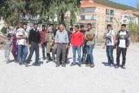 TIBBİ MALZEME - Ayvalık'ta 27 Mülteci Yakalandı