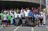 GİRAY BULAK - Balkes'li Futbolcular Sokaklardan Çöp Topladı
