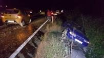 TİCARİ TAKSİ - Bolu Dağında İki Otomobil Çarpıştı 1 Kişi Yaralandı