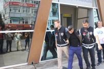 Cezaevi Firarisi Suç Makinesi Çaldıklarını Satarken Yakalandı