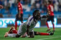 EDUARDO - Gomis Arabistan'da İlk Golünü Attı