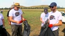 GÜRCISTAN - Gürcistan Devlet Başkanı Margvelaşvili Çöp Toplama Kampanyasına Katıldı
