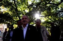 Kılıçdaroğlu, Celal Bayar'ın Kabrini Ziyaret Etti