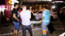 Kontrolden Çıkan Otomobil Kafeye Girdi Açıklaması 5 Yaralı