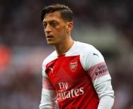 WEST HAM UNITED - Mesut Özil 200. Resmi Maçını Boş Geçmedi