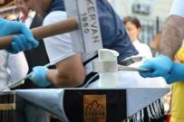 Örsün Üzerinde Bu Kez Demir Değil Dondurma Dövüldü