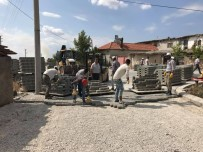 SARıLAR - Sarılar Mahallesinde Üst Yapı Çalışması Sürüyor