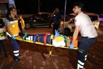 SAĞLIK GÖREVLİSİ - Şişli'de Hasta Taşıyan Ambulans Kaza Yaptı; 6 Yaralı