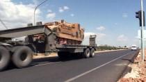 ASKERİ KONVOY - Suriye Sınırına Askeri Sevkiyat Sürüyor