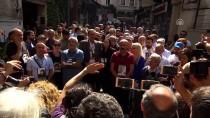 GALATASARAY MEYDANI - Taksim'de İzinsiz Gösteri
