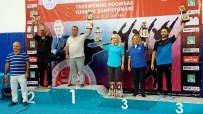 BRONZ MADALYA - Tekvandocular Ödüllerle Döndü