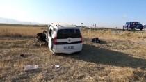 Aksaray'da Hafif Ticari Araç Şarampole Devrildi Açıklaması 1 Ölü, 3 Yaralı