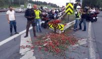 MOTOSİKLETÇİ - Bin Motosikletli Yusuf Durup'un Hayatını Kaybettiği Sapağa Karanfil Bıraktı